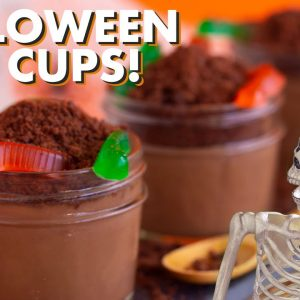 DIY Halloween Dirt Cups – Homemade Pudding, Oreos & Worms!
